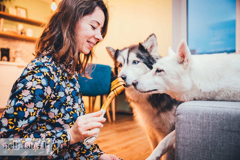 """Eglė ir Nerijus įsitikinę: """"Šuo nėra kliūtis gyvenime ir kelionėse"""".<br>G.Kniežaitės–Novikovienės nuotr."""