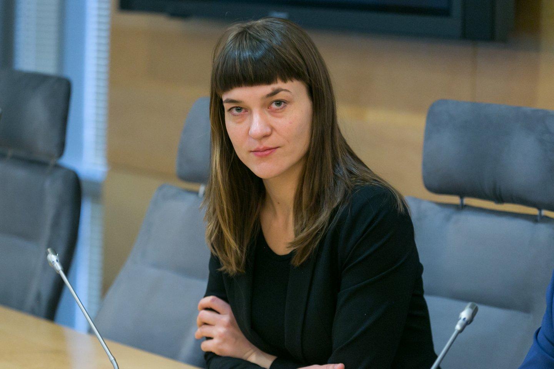 Parlamentarė konservatorė Radvilė Morkūnaitė-Mikulėnienė siūlo, kad Seimas paskelbtų Skiepų dieną ir taip atkreiptų dėmesį į, jos nuomone, pavojingai augantį skepticizmą dėl vakcinacijos.<br>T.Bauro nuotr.