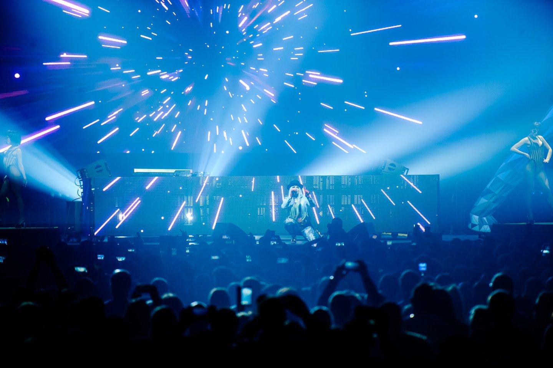 """""""Millennium 2000 Fest"""" akimirkos.<br>Ievos Jonelytės ir Artiomo Ištuganovo nuotr."""
