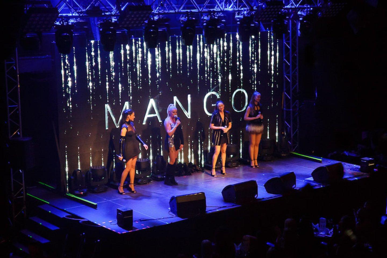 """Grupės """"Mango"""" koncerto akimirkos.<br>R. Budrio nuotr."""