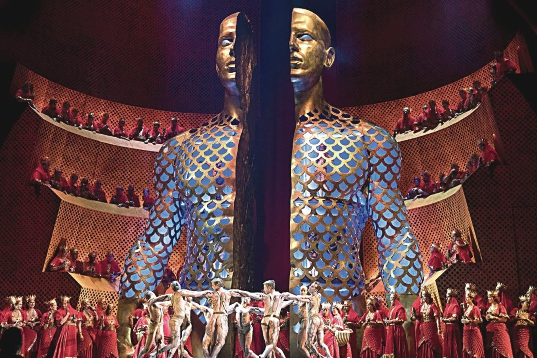 """Metropolitan Opera"" pastatyta C.Saint-Saenso opera ""Samsonas ir Dalila"" stulbina įspūdinga scenografija.<br>""Metropolitan Opera"" nuotr."