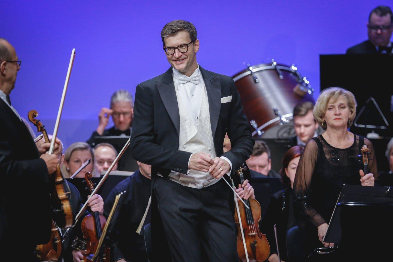 KKS salėje M.Pitrėnas diriguos R.Strausso gala koncertą.<br>KKS nuotr.