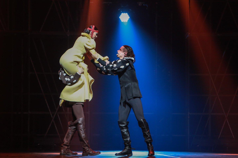 Miuzikle pasirodė aktorių ir šokėjų trupė iš Lietuvos ir choras iš Amerikos.<br>G.Bitvinsko nutor.