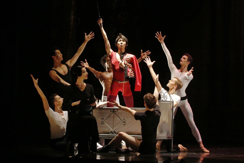 "Maurice'o Béjart'o suburta trupė ""Béjart Ballet Lausanne"".<br>Organizatorių nuotr."