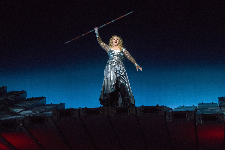 """Amerikietei Ch.Goerke Brunhildos vaidmuo – didžiausias karjeros iššūkis.<br>""""Metropolitan Opera"""" nuotr."""