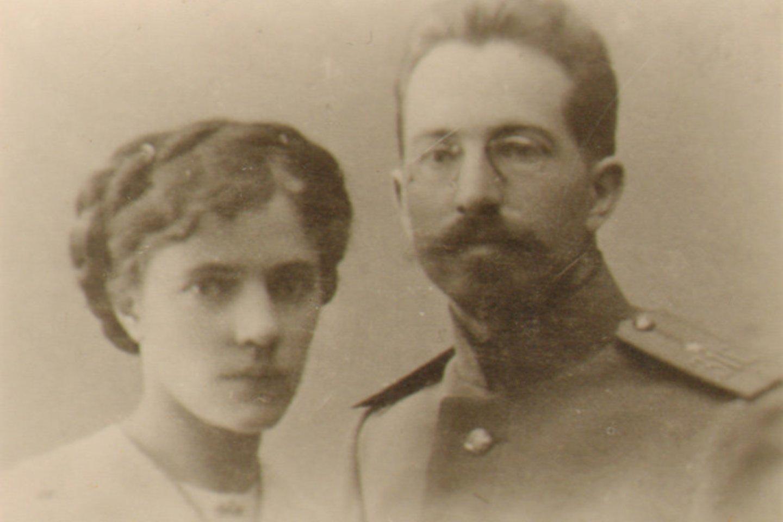 Aleksandras Timinskis su žmona Vera apie 1922 m.<br>Lietuvos švietimo istorijos muziejaus nuotr.