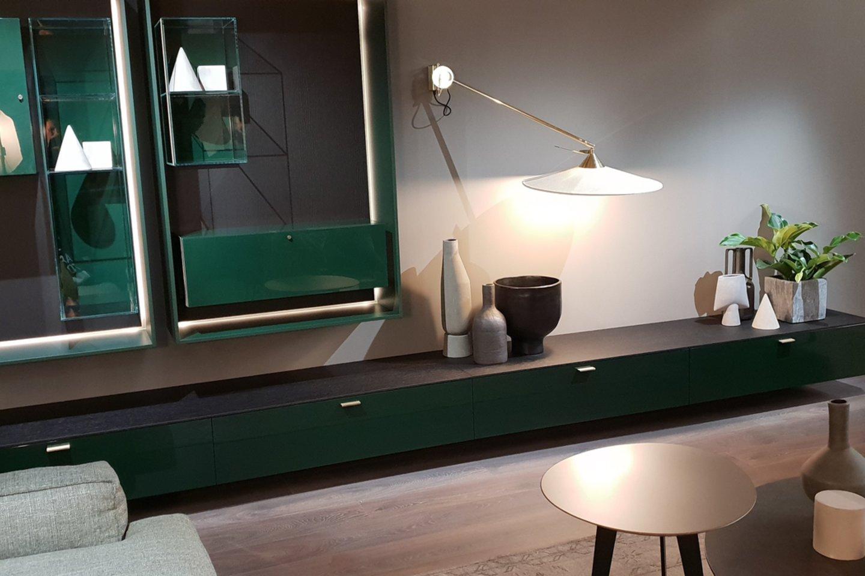 Jei nėra gero apšvietimo, vyraujančią spalvą galima vadinti juoda, naudojant apšvietimą pasirodo gili žalia, mėlyna.<br>Editos Stankevičiūtės-Righetto nuotr.