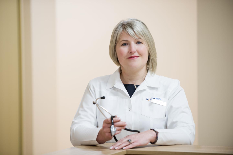 Klaipėdos Jūrininkų sveikatos priežiūros centro gydytoja, medicinos mokslų daktarė Lolita Rapolienė apgailestavo, kad daugelį darbingo amžiaus žmonių susargdina jų pačių gyvenimo būdas.