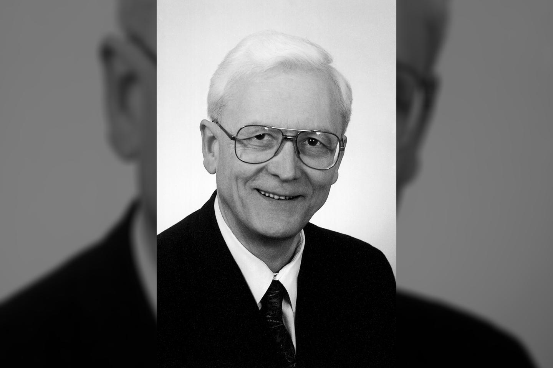 Mirė Lietuvos Nepriklausomybės Akto signataras Liudvikas Saulius Razma.