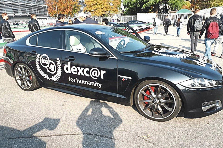 """Kompanijos interneto svetainėje iki šiol apstu blizgančių automobilių nuotraukų, tiktai jos dažniausiai senos.<br>""""Dexcar.de"""" nuotr."""