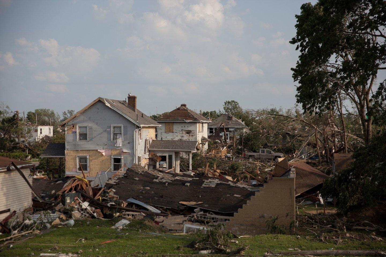 Maždaug 130 žmonių buvo sužeisti per tris galingus tornadus Ohajuje, susiformavusius užėjus audringiems orams, antradienį pranešė ligoninės.<br>AFP/Scanpix nuotr.