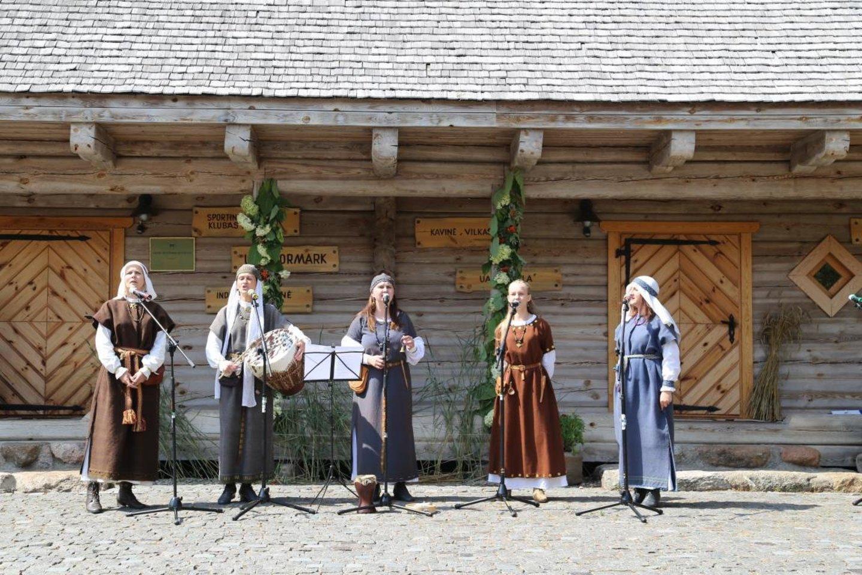 Koncertas Molėtų krašto muziejuje.<br>V.Kazlienės nuotr.