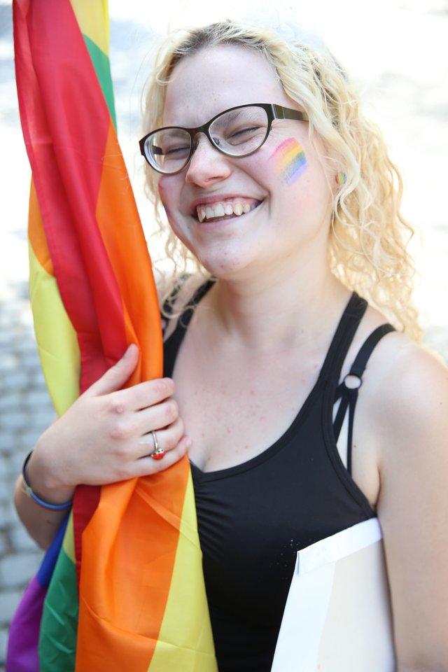 Baltijos šalių seksualinių mažumų paradai kasmet vyksta kaskart kitoje šalyje – pernai Rygoje vykusiose eitynėse dalyvavo daugiau kaip 8 tūkst. dalyvių. Šiemet eitynėse Gedimino prospektu organizatoriai tikisi dar didesnio dalyvių skaičiaus.<br>R.Danisevičiaus nuotr.