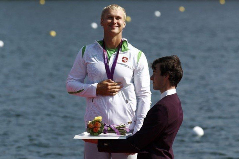 Jevgenijus Šuklinas diskvalifikuotas ir privalės sugrąžinti olimpinį medalį