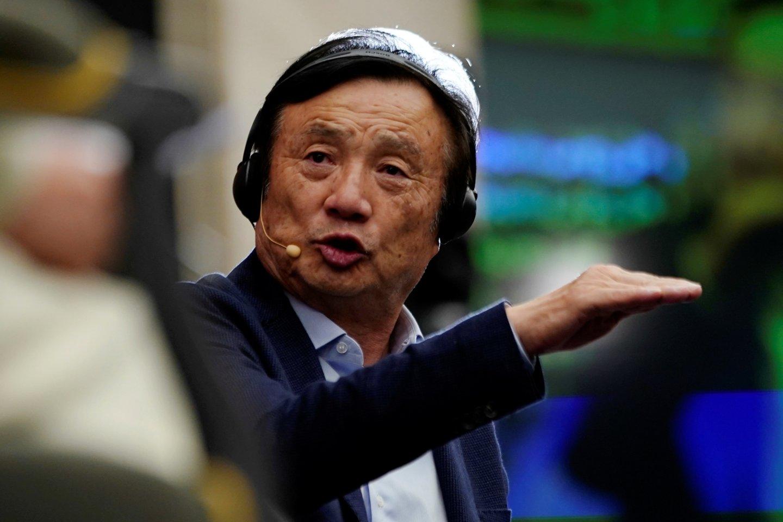 """""""Per artimiausius dvejus metus bendrovė sumažins produkciją 30 mlrd. JAV dolerių"""", – pareiškė Ren Zhengfei.<br>Reuters / Scanpix nuotr."""