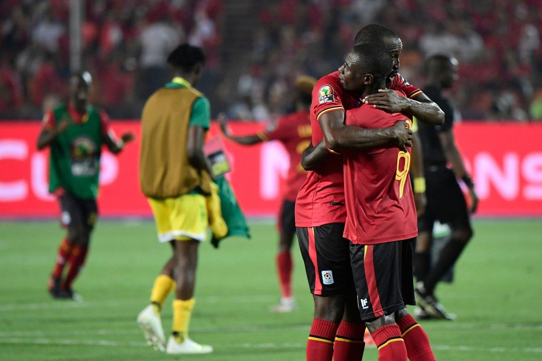 Uganda ir Zimbavė išsiskyrė taikiai 1:1.<br>AFP/Reuters/Scanpix nuotr.