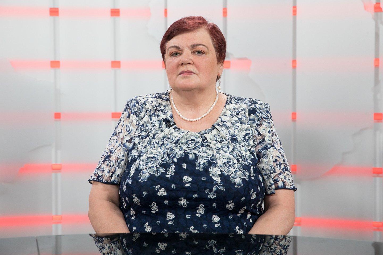 Įkalinimo įstaigų medikų profsąjungų pirmininkę V.Subačiūtę (nuotr.) ir jos koleges pribloškė Pravieniškėse vienam kaliniui tenkantis vandens kiekis.<br>T.Bauro nuotr.