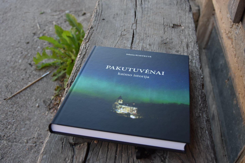 J.Klietkutė į šią knygą suguldė ir išnykusio kaimo, ir dabartinio istoriją.<br>A.Srėbalienės nuotr.