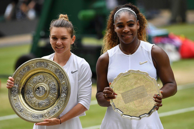 Vimbldono čempione tapo, Simona Halep, įveikusi Sereną Williams.<br>AFP/Reuters/Scanpix nuotr.
