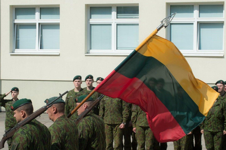 Aukštųjų mokyklų studentams bus suteiktas atsargos leitenanto laipsnis