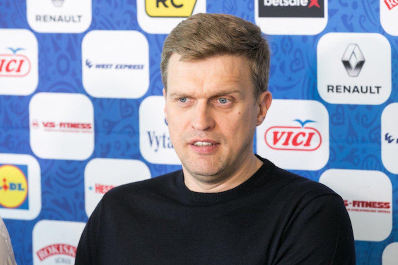 Dainius Adomaitis kritikuojamas, nors čempionatas dar neprasidėjo.<br>T.Bauro nuotr.