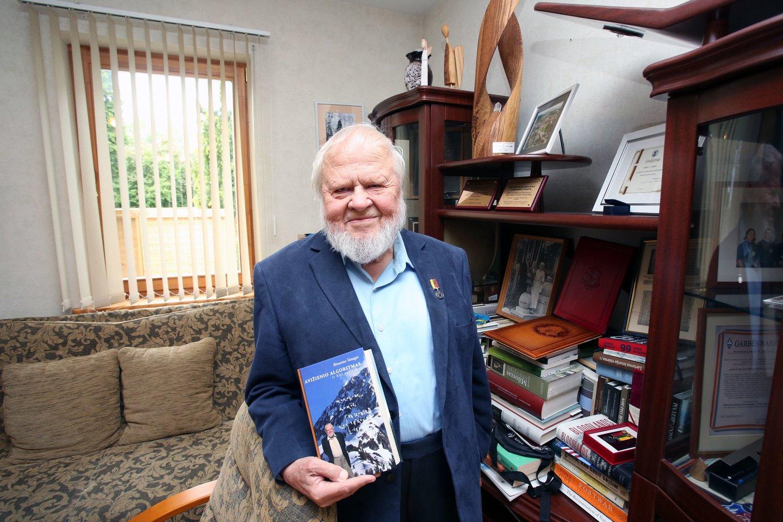 A.A.Avižienis didžiavosi pelnęs Kauno miesto garbės piliečio titulą.<br>M.Patašiaus nuotr.