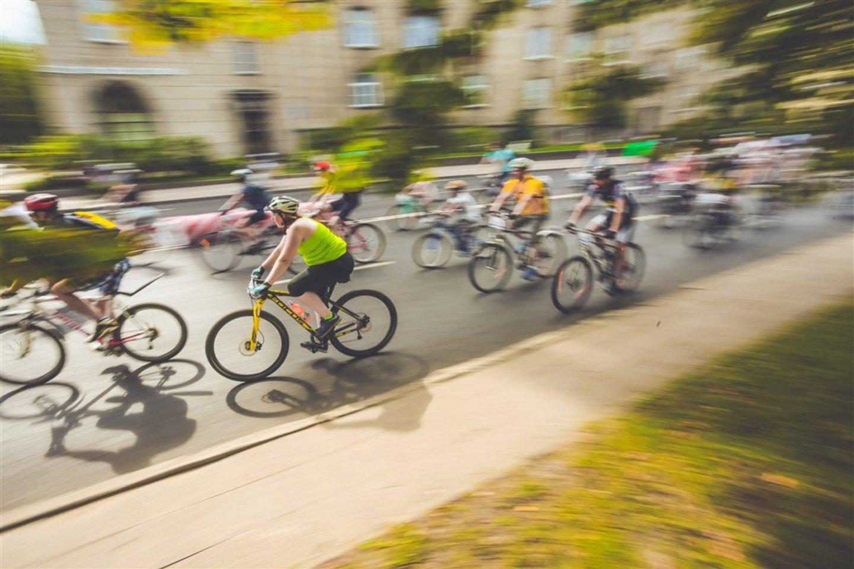 Važinėjimas dviračiu yra ir streso ir ligų prevencija<br>E.Buiko nuotr.