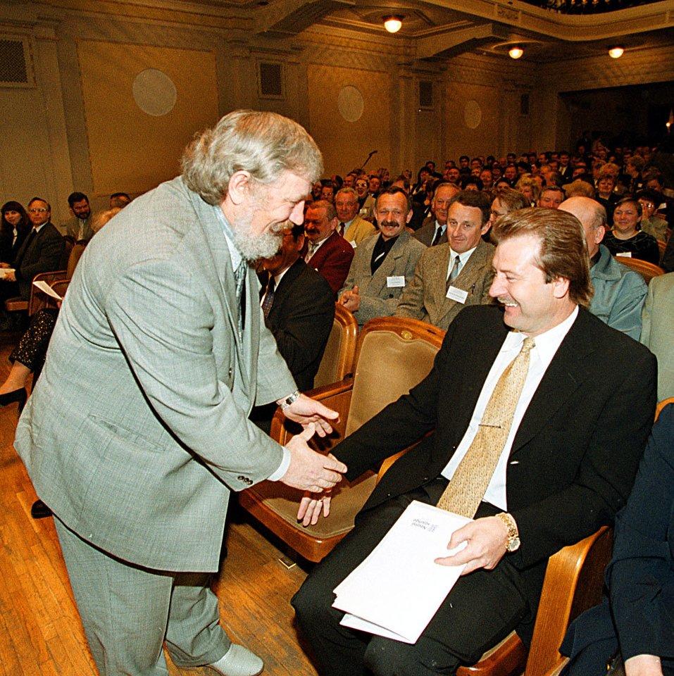 Vytautas Šustauskas ir Viktoras Uspaskichas 2000-aisiais.<br>P.Lileikio nuotr.