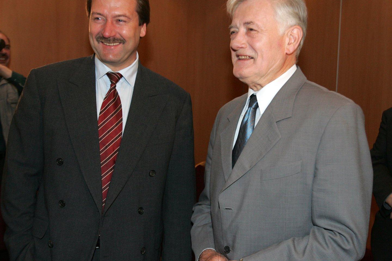 Viktoras Uspaskichas ir Valdas Adamkus 2004-aisiais.<br>P.Lileikio nuotr.