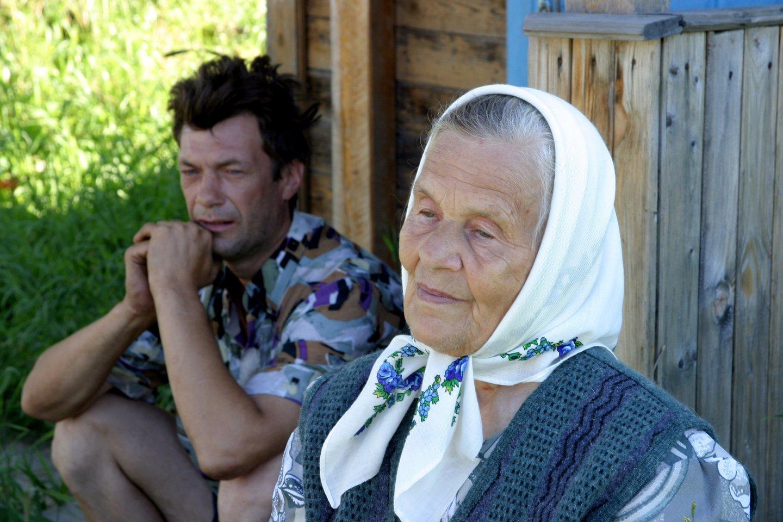 Viktoro Uspaskicho brolis ir mama 2003-iaisiais.<br>V.Ščiavinsko nuotr.
