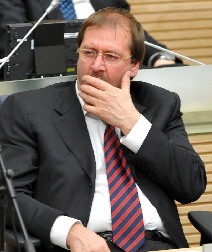 Viktoras Uspaskichas naktiniame posėdyje 2008-aisiais.<br>P.Lileikio nuotr.