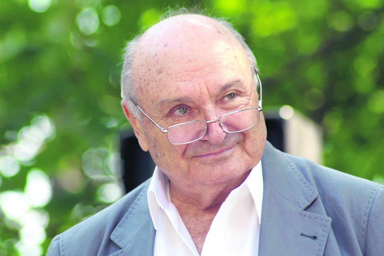 Odesoje gimęs M.Žvaneckis vadinamas romantiškiausiu filosofu, aktualiausiu satyriku, poetiškiausiu prozininku. Praėjusių metų kovą jis koncertavo ir Lietuvoje.<br>Scanpix nuotr.