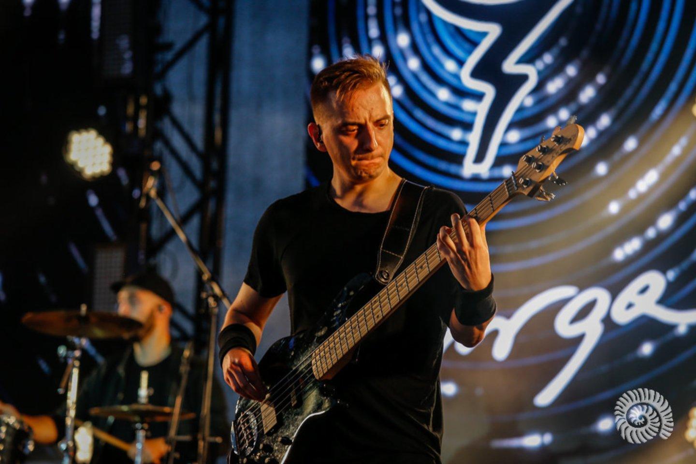 Atlikėjos Jurgos pasirodymas su grupe.<br>V.Petriko nuotr.