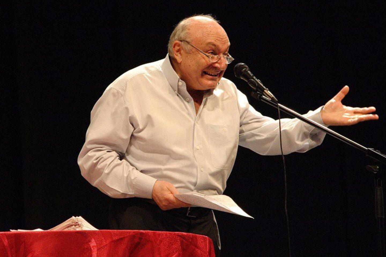 Odesoje gimęs M.Žvaneckis vadinamas romantiškiausiu filosofu, aktualiausiu satyriku, poetiškiausiu prozininku. Praėjusių metų kovą jis koncertavo ir Lietuvoje.<br>Koncerto organizatorių nuotr.