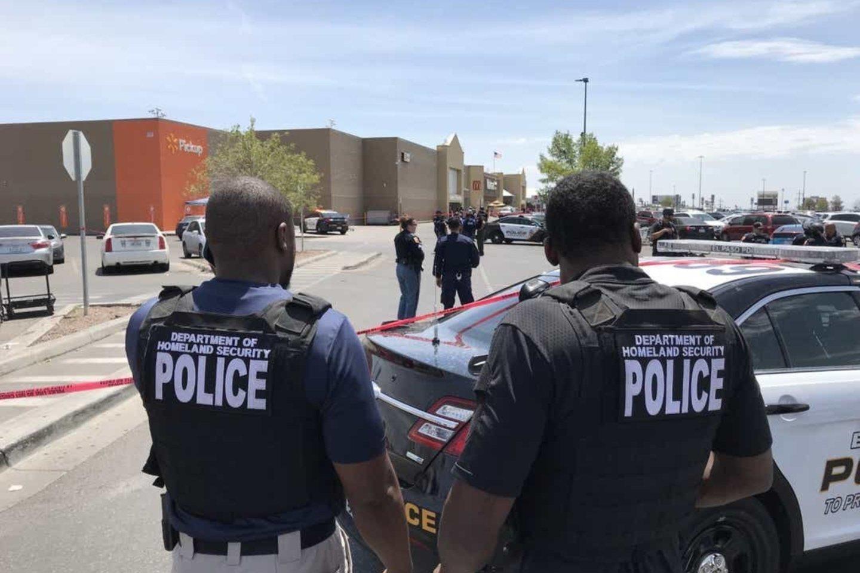 """Du savaitgalio incidentai buvo 250-osios ir 251-osios masinės šaudynės Jungtinėse Valstijose šiais metais, skelbia ne pelno organizacija """"Gun Violence Archive"""". Masinėmis šaudynėmis organizacija laiko incidentą, per kurį būna sužeisti arba žūsta mažiausiai keturi asmenys.<br>Liudininkų nuotr."""