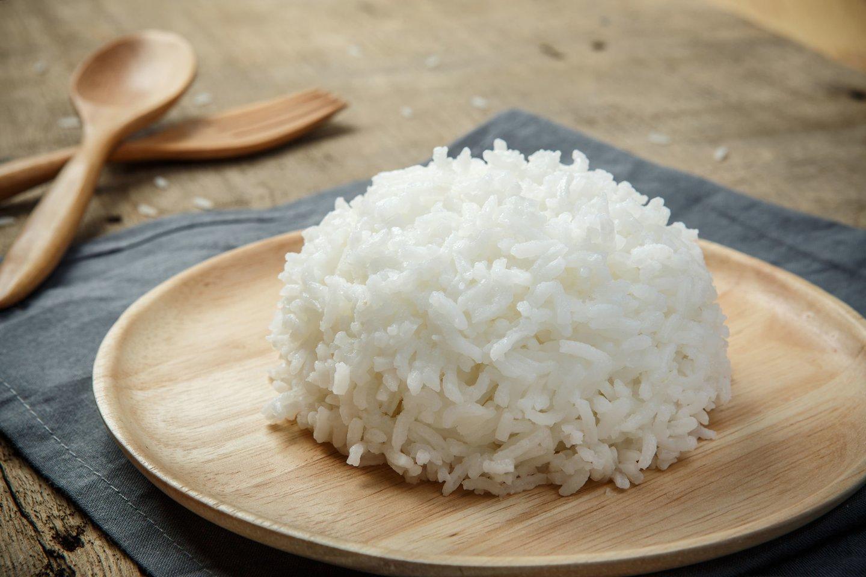 Jeigu norite skaniai paruošti pigesnių rūšių ryžius ir pagaminti fantastiškai puikų garnyrą, dalijamės keliomis paslaptimis.<br>123rf nuotr.