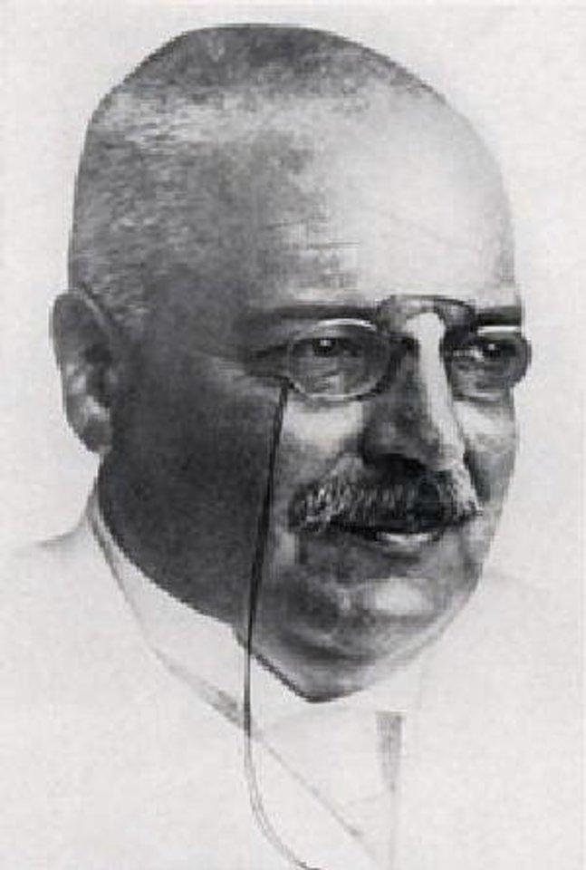 Gydytojas Aloisas Alzheimeris susidomėjo Augustes Deter atveju ir ėmė moterį tyrinėti.<br>Wikipedia.org nuotr.