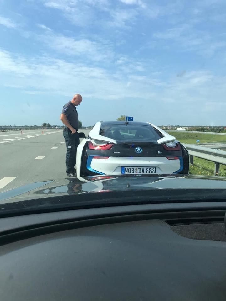 Prie Palangos sustabdė prabangų BMW, kuris lėkė 180 km per valandą.<br>Lietuvos policijos nuotr.