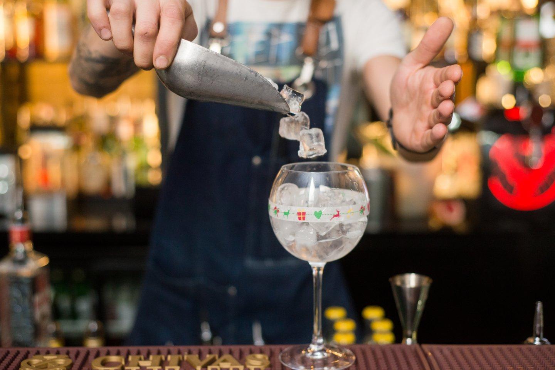 Vyriausybės ir verslo asociacijų atstovai antradienį peržiūrėjo ir aptarė nuo 2020 metų numatytas alkoholio prieinamumo ribojimo priemones.<br>J.Stacevičiaus nuotr.