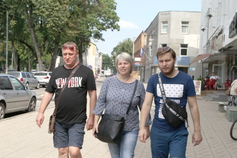 Ignatenkų šeima su Panevėžiu atsisveikino jau ramia širdimi, nes sūnaus gyvybei grėsmės nebėra.<br>A.Švelnos nuotr.