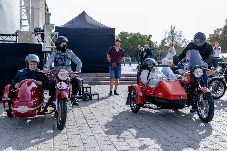 """Rugsėjo 7 dieną Lietuvoje praskriejo i motociklininkų, neregių ir silpnaregių akcija """"Mane veža"""".<br>V.Juozaičio nuotr."""