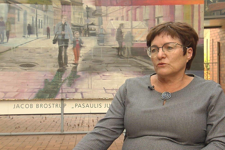"""Janina Šidlauskienė žiemą palaidojo vyrą, pralaimėjusį kovą su kraujo vėžiu – mieloma.<br>""""Lietuvos ryto"""" televizijos stop kadras"""