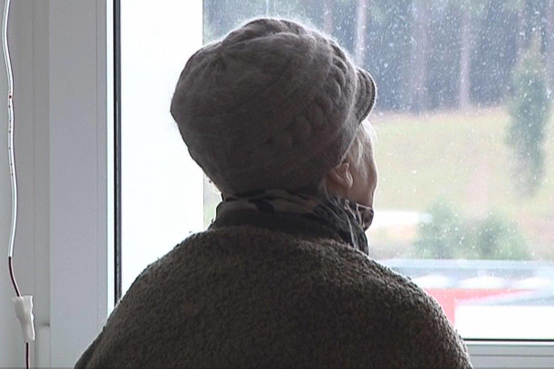 """Mieloma yra labiausiai paplitusi kraujo vėžio forma, bet ja dažniausiai serga vyresnio amžiaus žmonės.<br>""""Lietuvos ryto"""" televizijos stop kadras"""