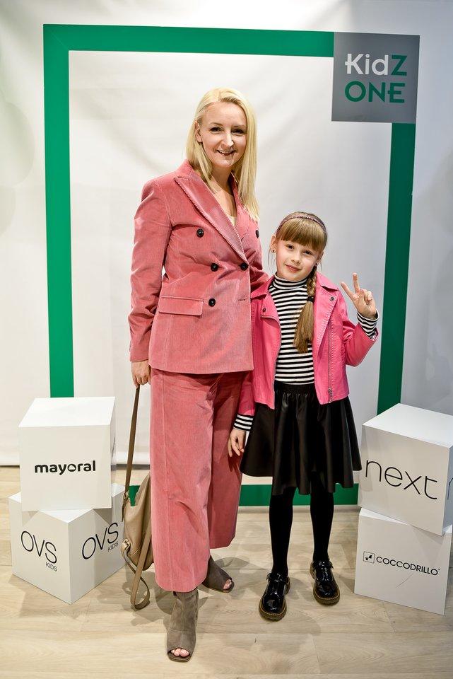 Viktorija Mauručaitė su dukrele.<br>Tomas Petro nuotr.