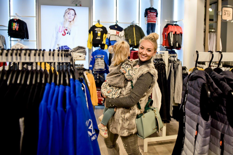Eglė Straleckaitė su dukrele.<br>Tomas Petro nuotr.