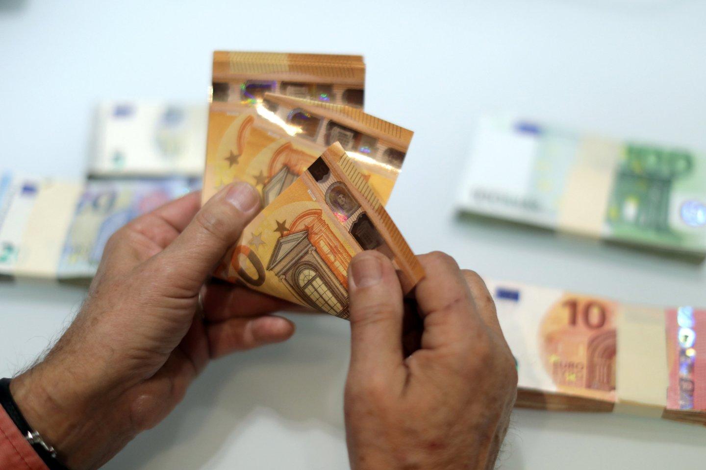 Statistika rodo, kad elektroniniu būdu dėl skolos išieškojimo daugiausiai kreipiasi fiziniai asmenys. Jie sudaro 72,7 proc. visų tokia forma besikreipusių pagalbos išieškant skolą.<br>Reuters/Scanpix nuotr.