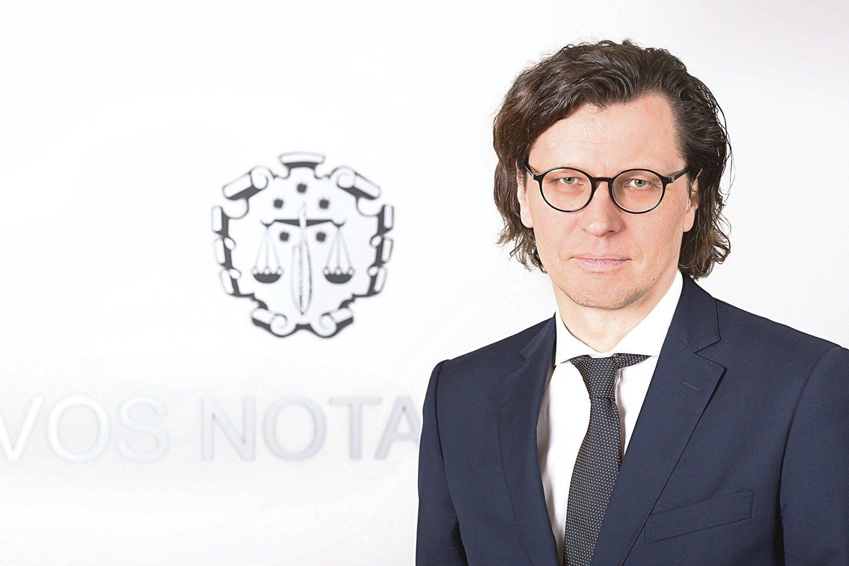 Marius Stračkaitis,Lietuvos notarų rūmų prezidentas.