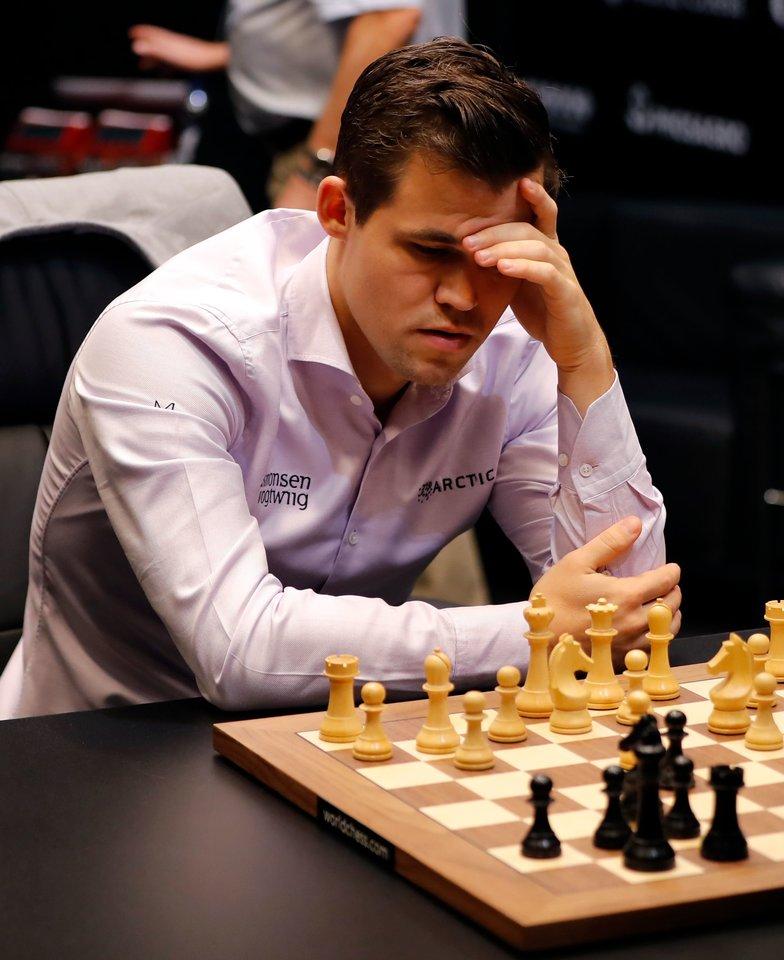 Magnusas Carlsenas apgynė pasaulio čempiono titulą<br>Scanpix nuotr.