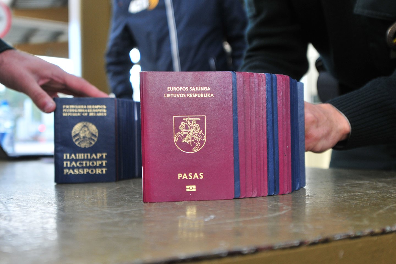 Lietuva atsidūrė valstybės, kurių pasai juos turintiems žmonėms suteikia didžiausią laisvę keliauti po pasaulį, dešimtuke.<br>A.Vaitkevičiaus nuotr.