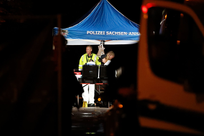 """Kruviną antisemitinį išpuolį išvakarėse Vokietijos Halės mieste surengęs užpuolikas planavo """"žudynes"""" sinagogoje, ketvirtadienį pareiškė vokiečių federalinis prokuroras.<br>AFP/Scanpix nuotr."""
